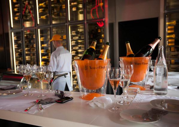 Vueve Hotel Du Marc Bar