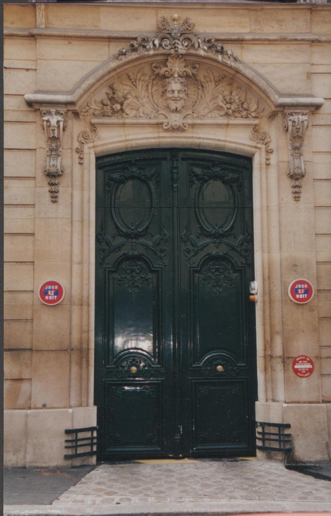 paris door, european door, french architecture, paris architecture
